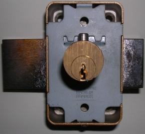 Comment tout ouvrir avec une perceuse - Comment fermer une porte sans serrure ...